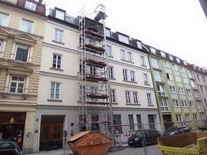 Gebäude zu Beginn der Sanierungsmaßnahme